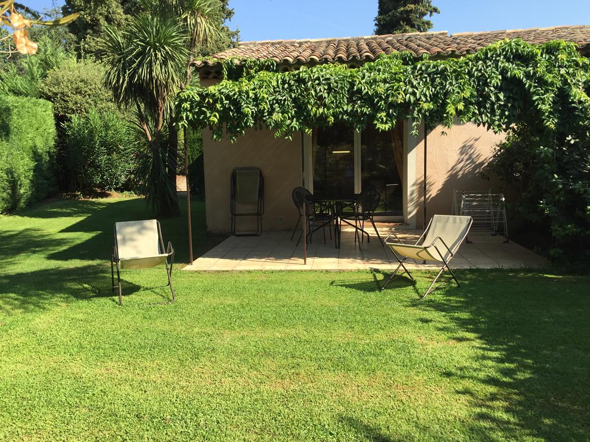 http://www.respelido.com/wp-content/uploads/2016/09/location-de-vacances-au-calme.jpeg