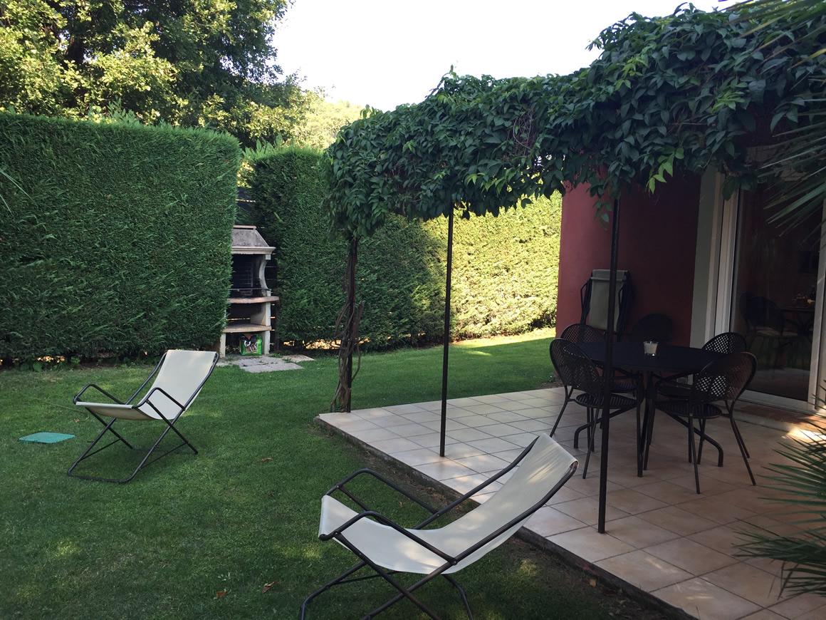 http://www.respelido.com/wp-content/uploads/2016/09/terrasse-villa-de-vacances-en-france.jpeg