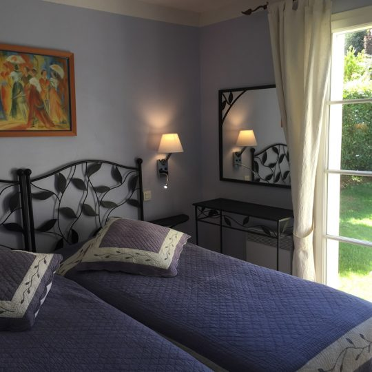 https://www.respelido.com/wp-content/uploads/2016/09/chambre-location-vacances-nice-540x540.jpeg