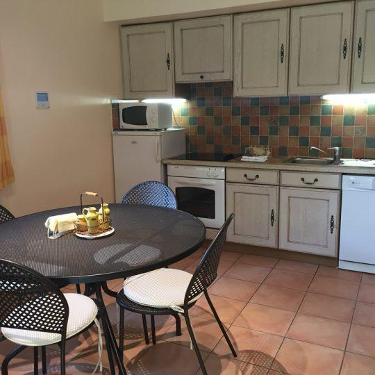 https://www.respelido.com/wp-content/uploads/2016/09/cuisine-villa-vacances-cagnes-540x540.jpeg