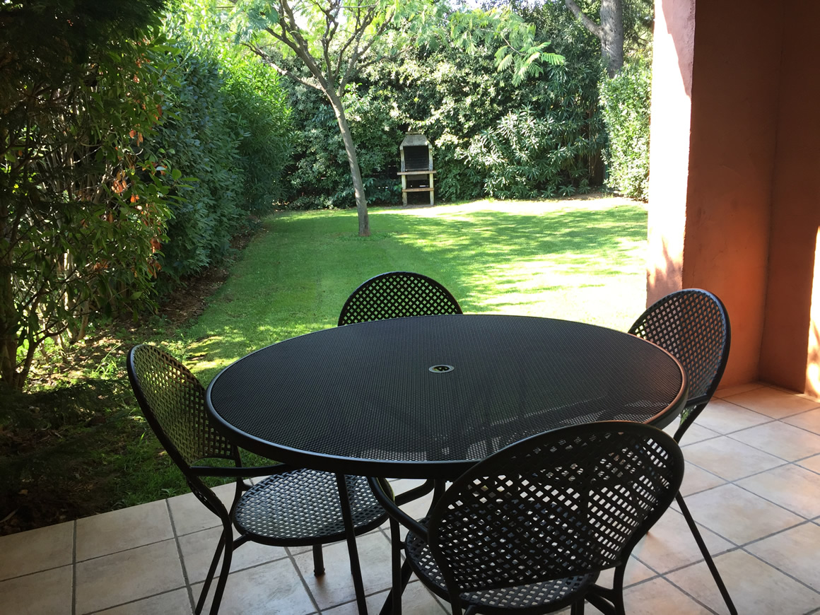 https://www.respelido.com/wp-content/uploads/2016/09/location-vacances-villa-nice-detente.jpeg